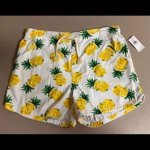 Old Navy floral pineapple shorts NWT